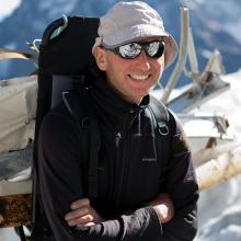 Descente de débris d'avion du glacier Blanc - © P. Saulay - PNE