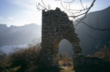 Ruines des Vachers © Gilbert Durand - Parc national des Ecrins