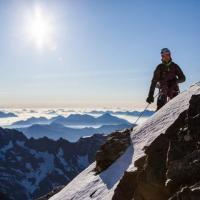 """Programme """"Destination Haute-Montagne"""" - Alpinisme sur l'arête est de la barre des Ecrins © Abdou Martin"""