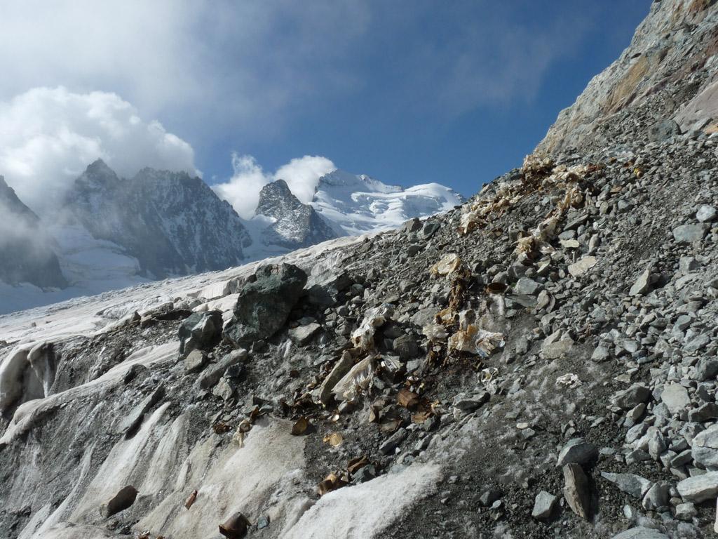 Nettoyage glacier Blanc - sept 2015 - © E.Dova - Parc national des Ecrins