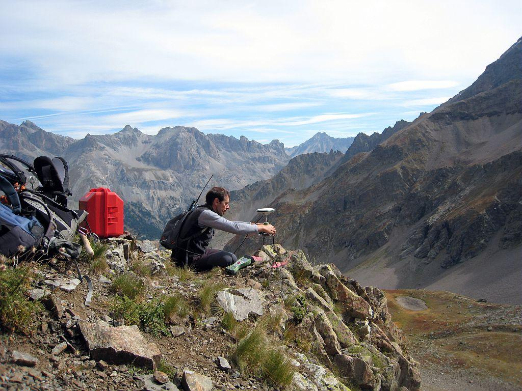 Mesures sur le glacier rocheux du Laurichard dans le Parc national des Ecrins