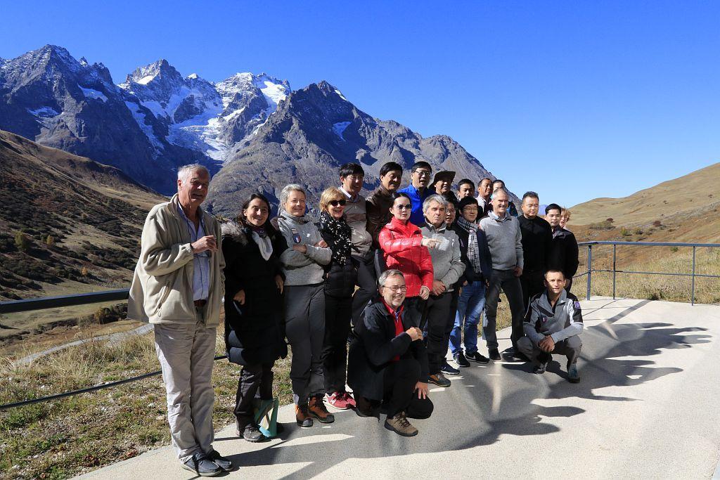 délégation chinoise dans le Parc national des Ecrins - Lautaret - galerie de l'alpe - octobre  2017 - © C.Coursier - Parc national des Écrins