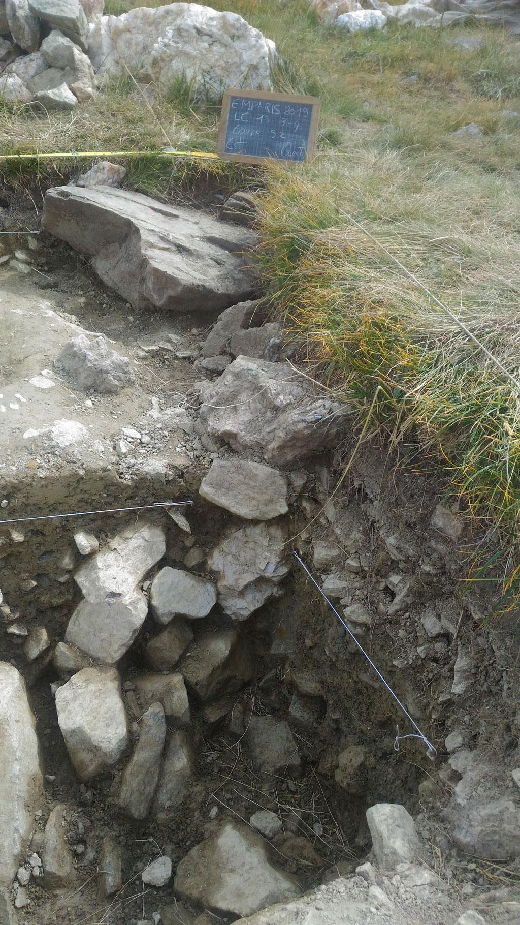 Archéologie sur le plateau d'Emparis - © R.Bonet - Parc national des Ecrins