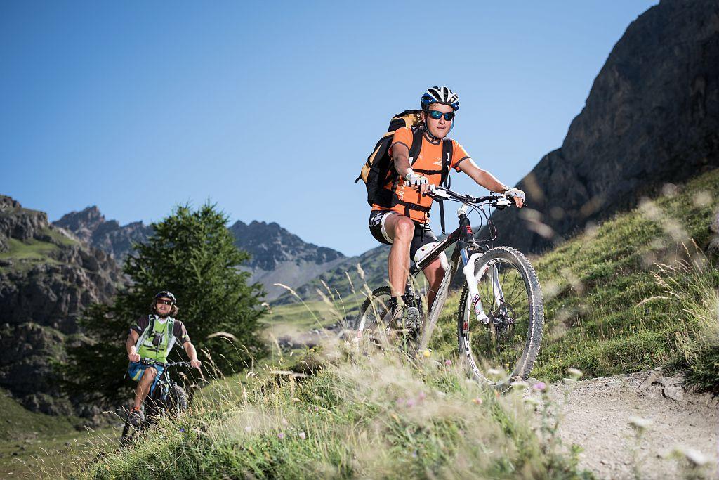 VTT sur le chemin du Roy - Carlos Ayesta - Parc national des Ecrins