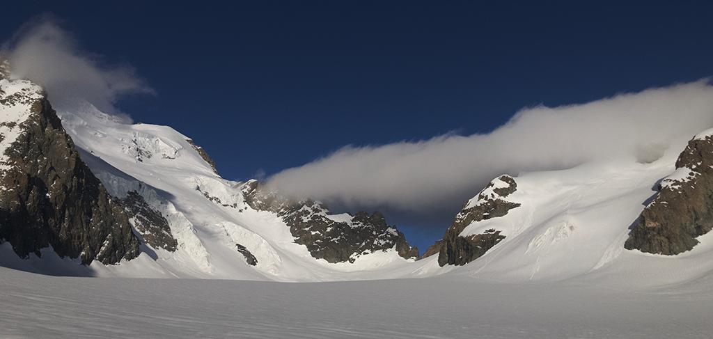 Sur le glacier Blanc - J. Charron - PNE