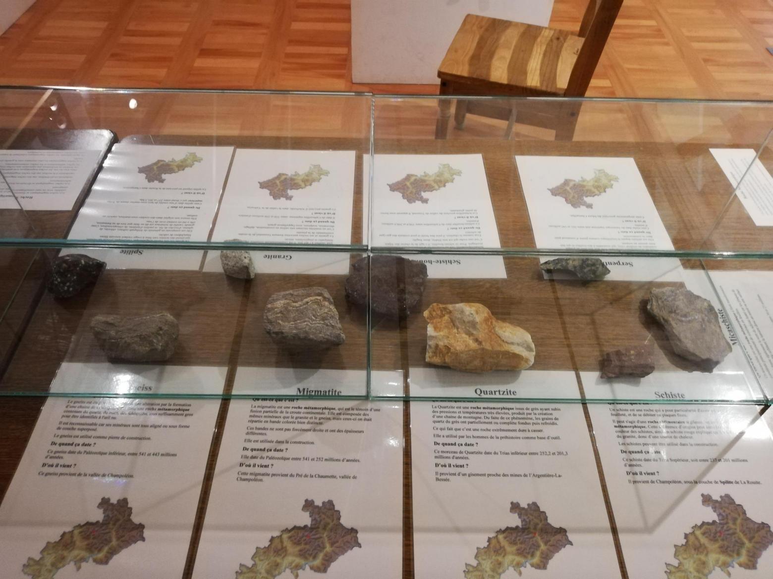 Exposition sur les roches et minéraux - © L. Bottero - PNE