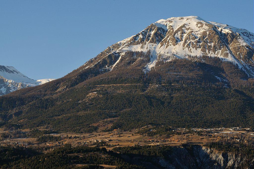 Le plateau des Puys et le mont Guillaume vu depuis Crots ©Mireille Coulon - Parc national des Ecrins