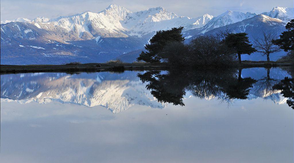 Le lac de Saint-Apollinaire, au fond Le Pouzenc - Saint-Apollinaire ©Mireille Coulon - Parc national des Ecrins