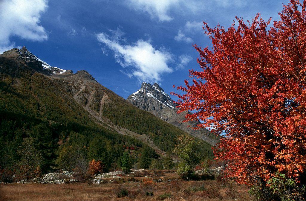 Le Rocher de Guerre - Monetier-les-bains © Bernard Nicollet - Parc national des Ecrins