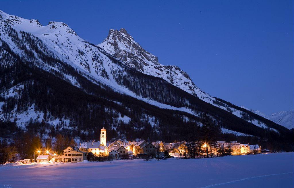 Le village du Casset au lever du jour © Bernard Nicollet - Parc national des Ecrins