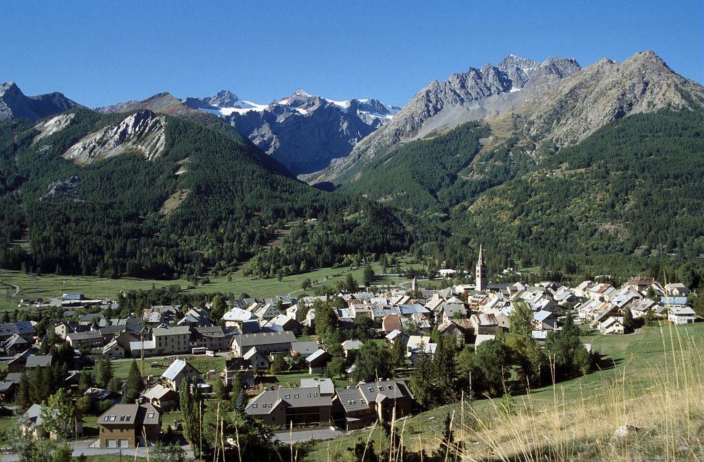 Monêtier, le village et le vallon du Grand Tabuc © Parc national des Ecrins