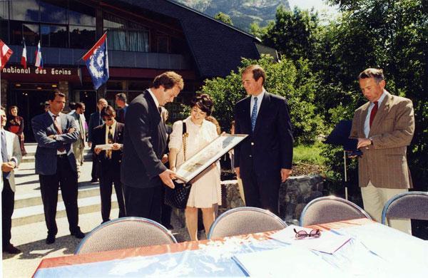 """La première """"charte"""" d'environnement et de développement durable pour le Parc national des Ecrins"""