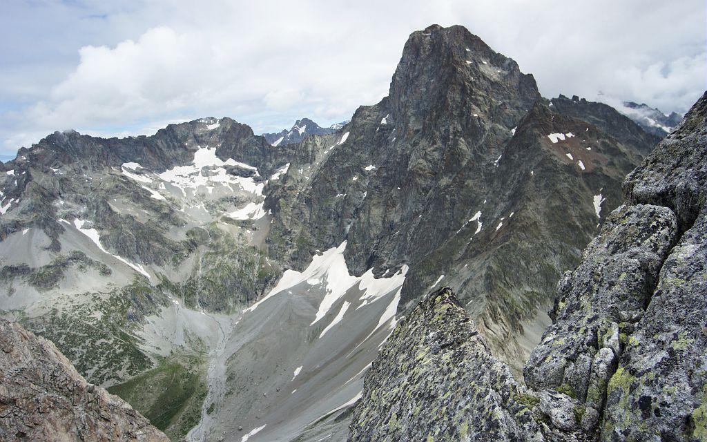 L'Olan vue depuis le pic Turbat - granite -  face nord - Valgaudemar © Ludovic Imberdis - Parc national des Ecrins