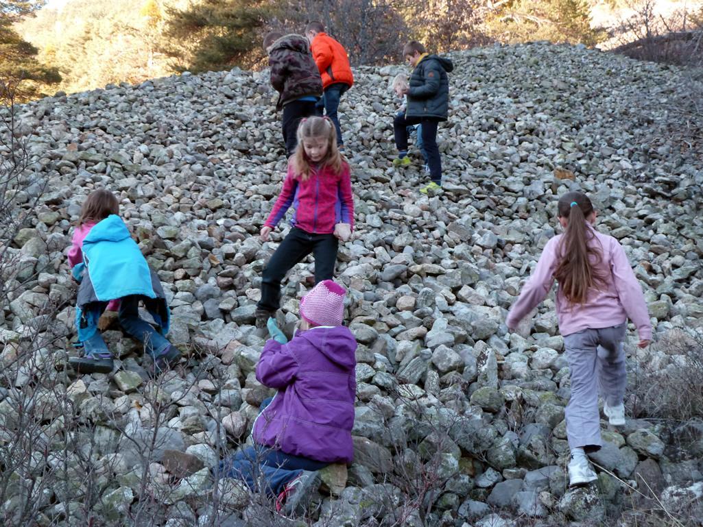 projet pédagogique école des Vigneaux - Découverte des roches, avec le parc national des Ecrins - 2015-2016