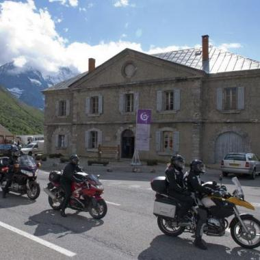Le centre d'accueil au col du Lautaret