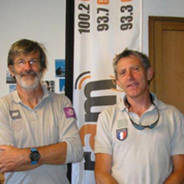 Michel Bouche et Marc Corail, technicien et garde-moniteur du Parc national des Ecrins