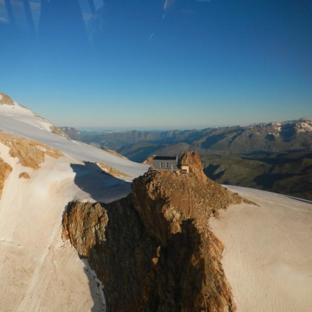 Nouveau Refuge de l'aigle - © Clup alpin français