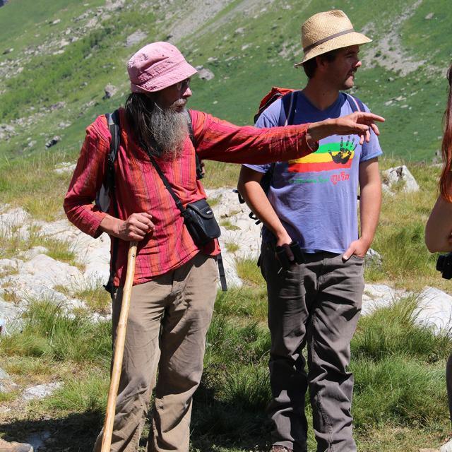 André Leroy, ancien berger du Saut du Laire - formation élèves berger - juin 2015 - photo Agnès Thiard - Parc national des Ecrins