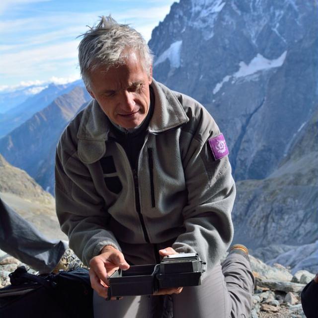"""Pascal Saulay, chargé de mission """"images"""" au parc national © M.Coulon- Parc national des Ecrins"""