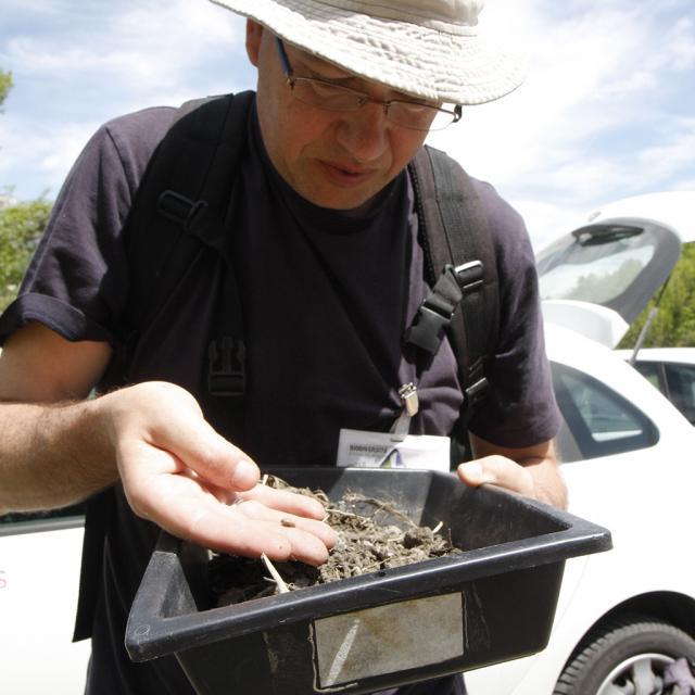 Christophe Perrier, malacologue - photo ClG - Parc national des Ecrins
