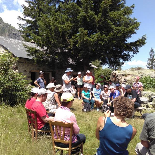 Sortie au Lauvitel avec des personnes déficientes visuelles - juillet 2016 - © Parc national des Ecrins - association Valentin Haüy