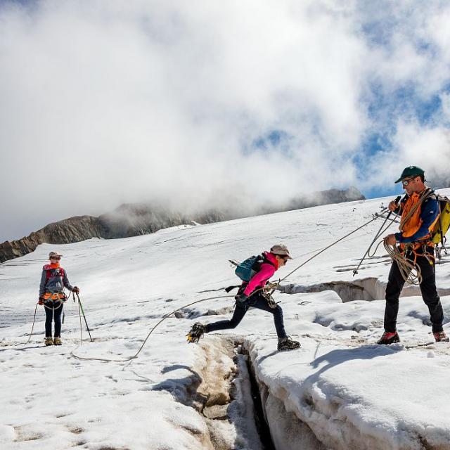 Sortie guide montagne -Esprit parc national - C.Dureau © B.Bodin - Parc national des Écrins