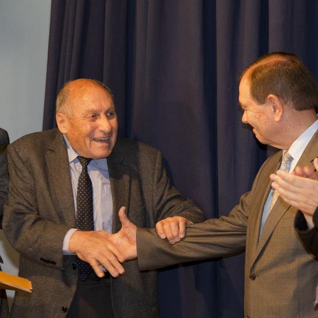 Robert de Caumont et Patrick Ollier, deux anciens présidents du CA du Parc national des Ecrins - 40 ans du PNE, 2013 - Vallouise - signature de la charte  © P.Saulay /PNE