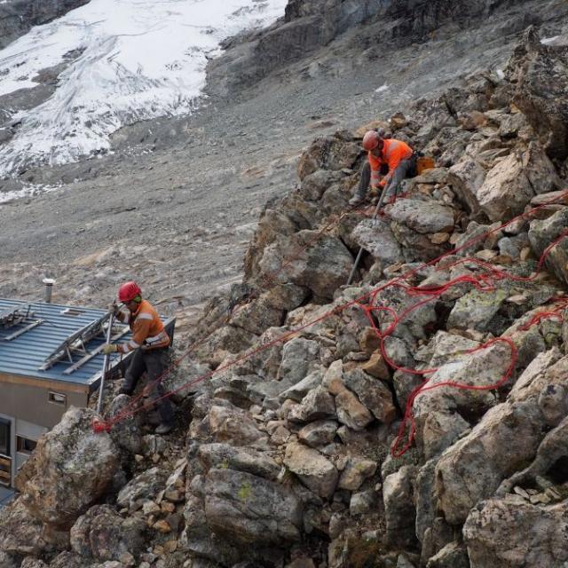 Un bloc de 750 kg, accompagné dans sa chute - photo F. Meignan, refuge du Promontoire