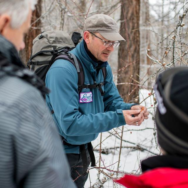 Sortie hiver Esprit parc national avec Mike Rollins - Briançonnais - photo E.Rondeau - parcs nationaux de France