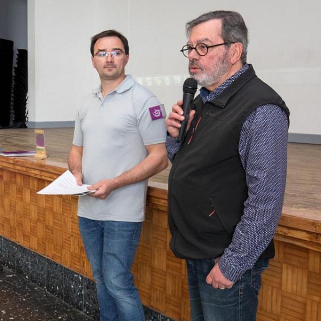 Pierrick Navizet, chargé de mission écotourisme au Parc national des Écrins, et Roland Aymerich, maire de Chabottes -