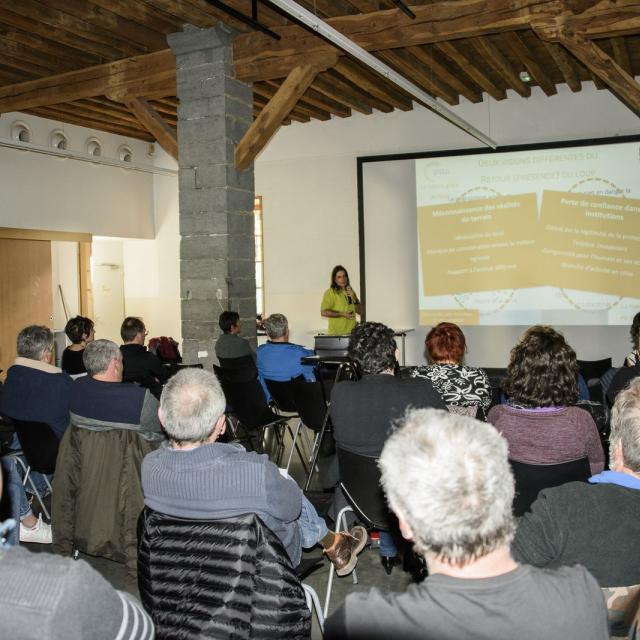 réunion d'information sur les chiens de protection - mars 2018 - Embrun - © Parc national des Ecrins