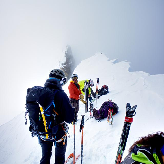 Nouvelles balises et carottage glacier Blanc - mai 2018- PNE -Irstea - photo J.Charron - Parc national des Ecrins