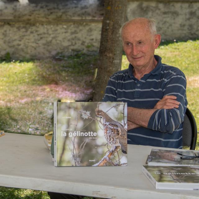 Jean Guillet présente son livre sur la gélinotte -  - Ecrins de nature - juin 2018 Bourg d'Oisans - photo B.Clouet