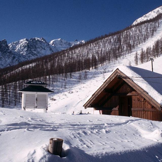 Station MERA hiver - © Parc national des Écrins