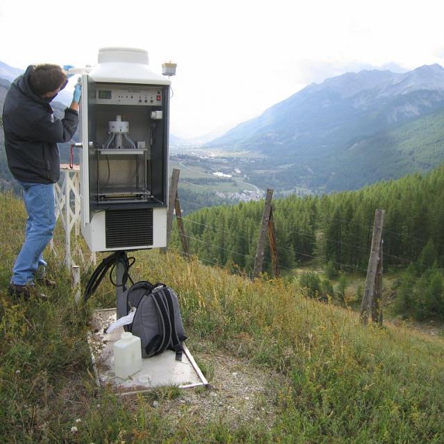 Collecteur, station MERA du Casset - © Cyril Coursier - Parc national des Ecrins