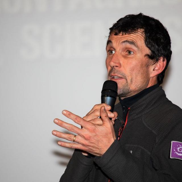 Frédéric Goulet, garde-moniteur du Parc national des Ecrins ; Rencontres montagnes et sciences - 28 novembre 2019 à l'Argentière-la-Bessée - photo T.Maillet - Parc national des Ecrins
