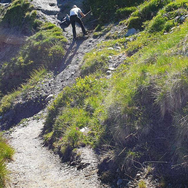 Travaux d'urgence réouverture sentier crevasses - juin 2020 - photo R.Vannard - Parc national des Ecrins