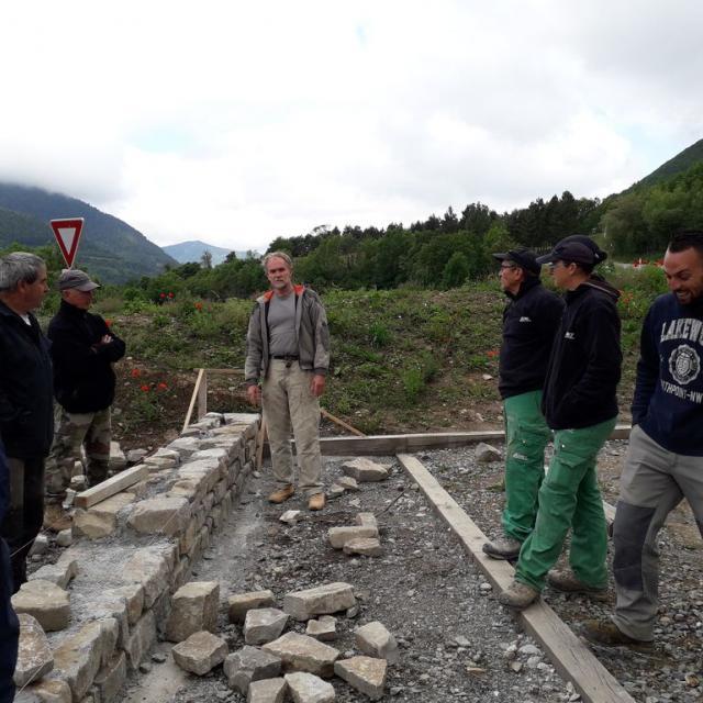 Formation construction pierre traditionnelle - Aspres les corps - juin 2020- Gabion-Parc national des Ecrins
