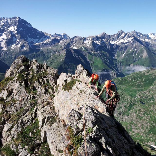 Initiation à l'alpinisme à la crête de l'Orient - © L. & M. Imberdis - PNE