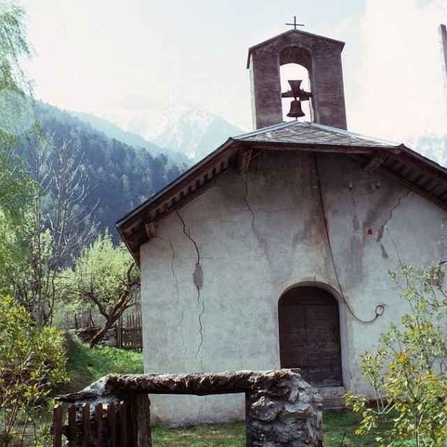 La chapelle du hameau de Gragnolet - © L. Tron - PNE