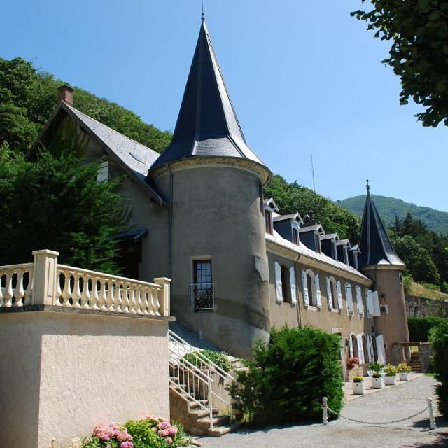 Château d'Aspres-les-Corps, hôtel restaurant © Jean-Pierre Nicollet - Parc national des Ecrins