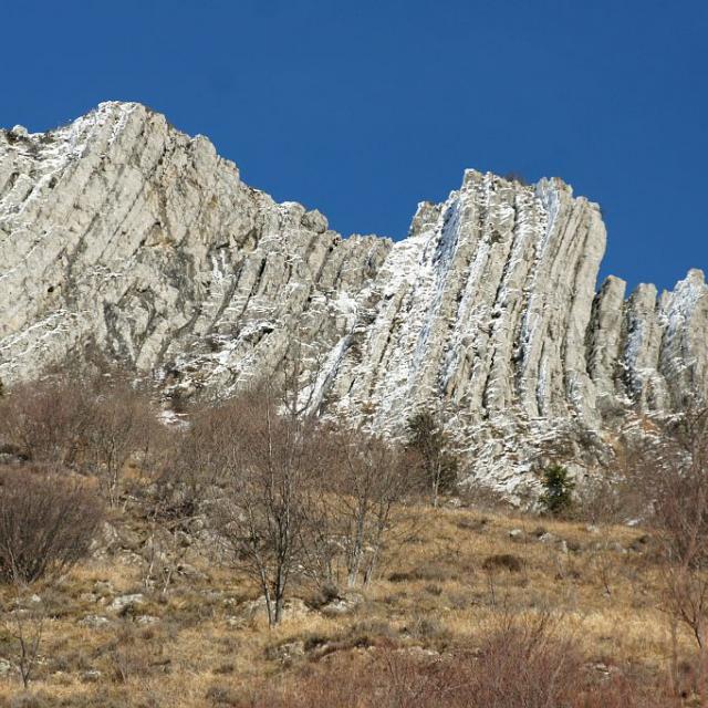 Géologie - Aspres les corps © Ludovic Imberdis - Parc national des Ecrins