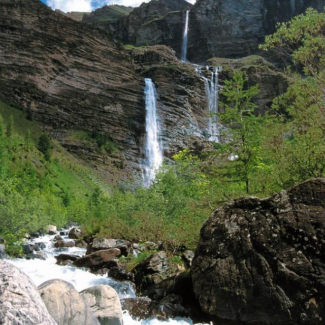 Cascade de la pisse - Châteauourx les -Alpes - © Mireille Coulon - Parc national des Ecrins