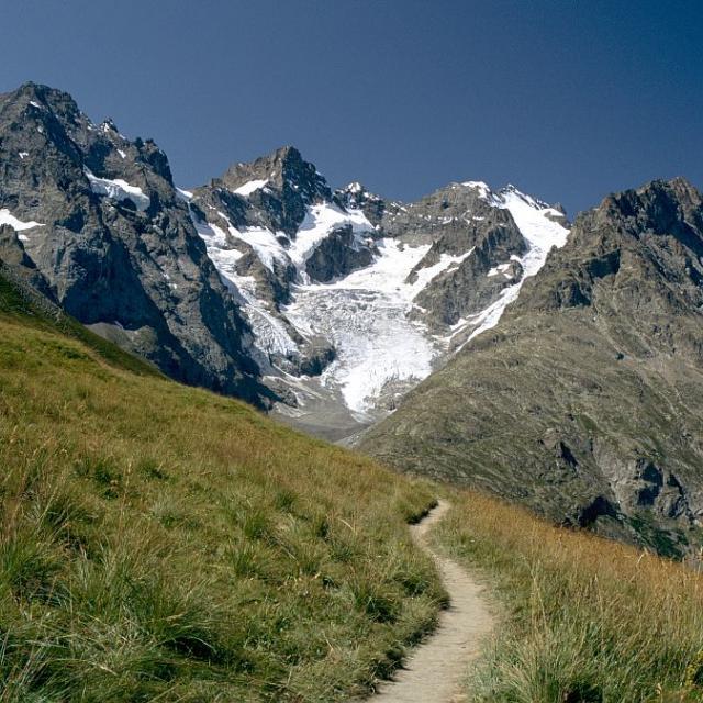 Le pic Gaspard vu du sentier des Crevasses ©Jean-Pierre Nicollet -Parc national des Ecrins