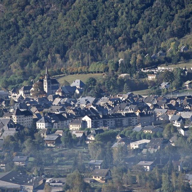 Le Bourg d'Oisans, centre-ville © Cyril Coursier - Parc national des Ecrins