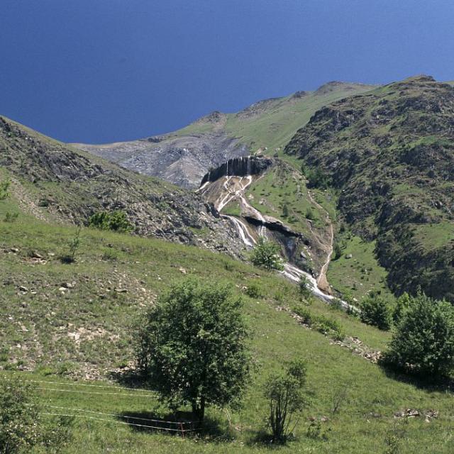 Sources pétrifiantes des Clots de Mizoën © Daniel Roche - Parc national des Ecrins