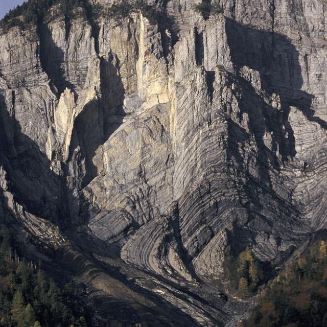 Falaise de Prégentil ©Cyril Coursier - Parc national des Ecrins