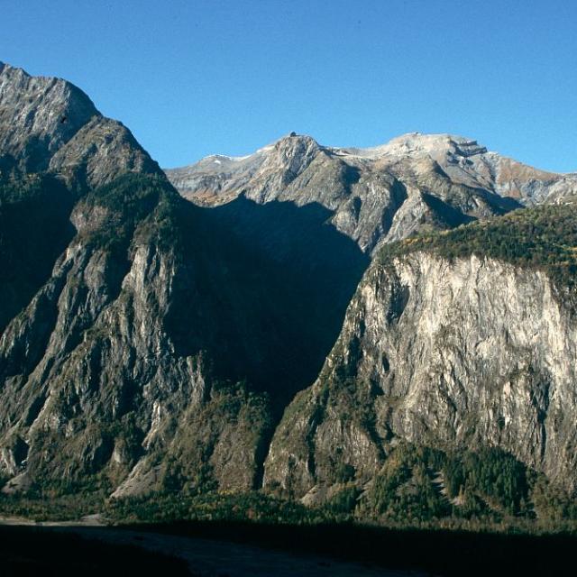 La gorge, creusée par le glacier - Au fond, le Grand Renaud ©Cyril Coursier - Parc national des Ecrins