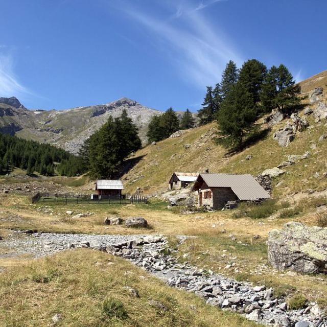 Cabanes d'alpages du Sellar - Freissinières © Jean-Philippe Telmon - Parc national des Ecrins