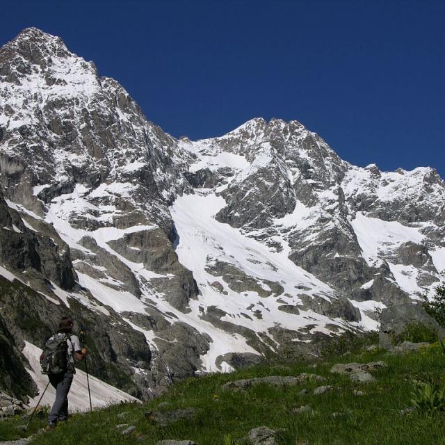 Sentier du refuge des Bans ©Thierry Maillet - Parc national des Ecrins